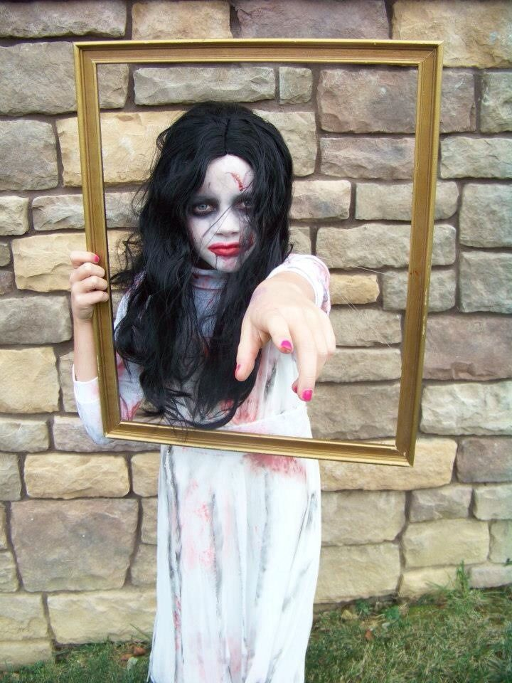 9bee6b5f8e3cc6a27900d1f1bcf15dc3--bloody-mary-costume-kid-costumes